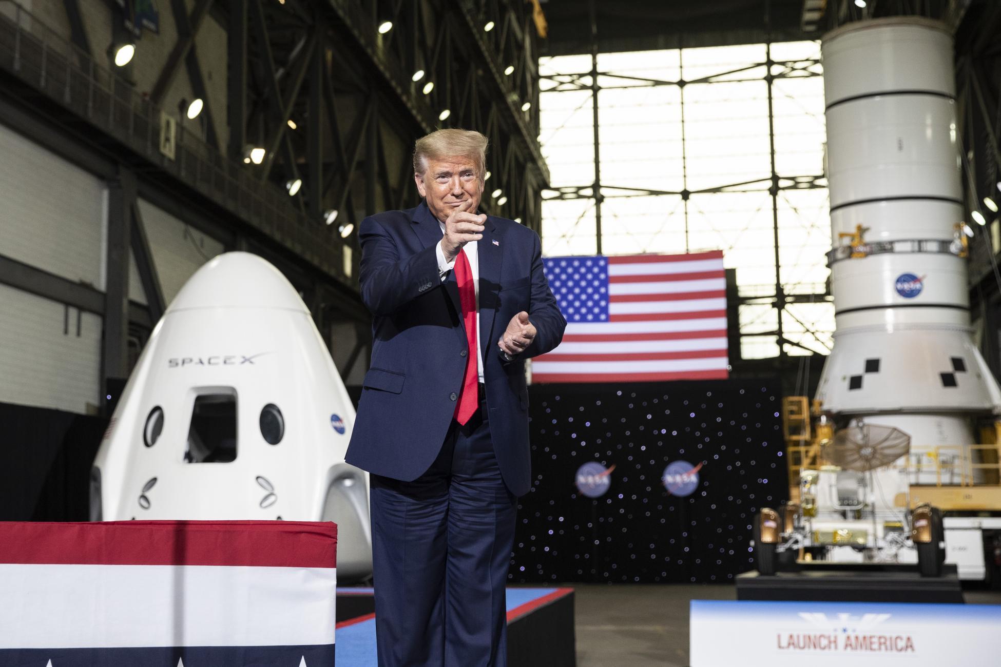 O Ντ. Τραμπ στις εγκαταστάσεις της Space X